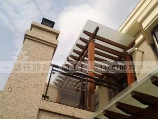别墅区屋顶阳台花架